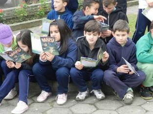 Revista em quadrinhos leva mensagem de conscientização a crianças de Treviso