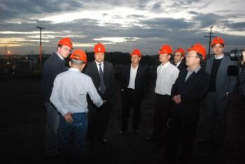 Comitiva chinesa conhece mina Novo Horizonte das Empresas Rio Deserto