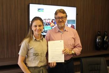 Empresas Rio Deserto renovam parceria com Instituto Felinos do Aguaí