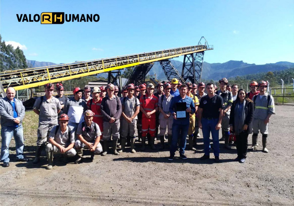 Projeto ValoRHumano: colaborador da Unidade de Extração Mina Cruz de Malta, da Rio Deserto, é homenageado
