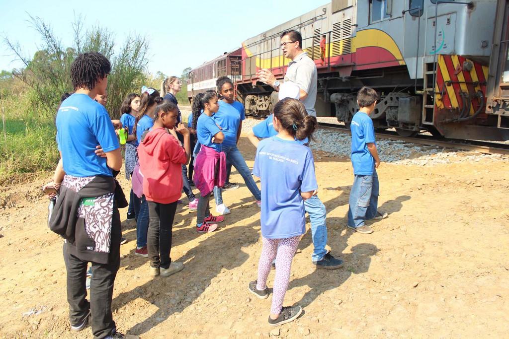 Estudantes do Centro Educacional Marista conhecem Unidade de Extração Mina Novo Horizonte, da Rio Deserto