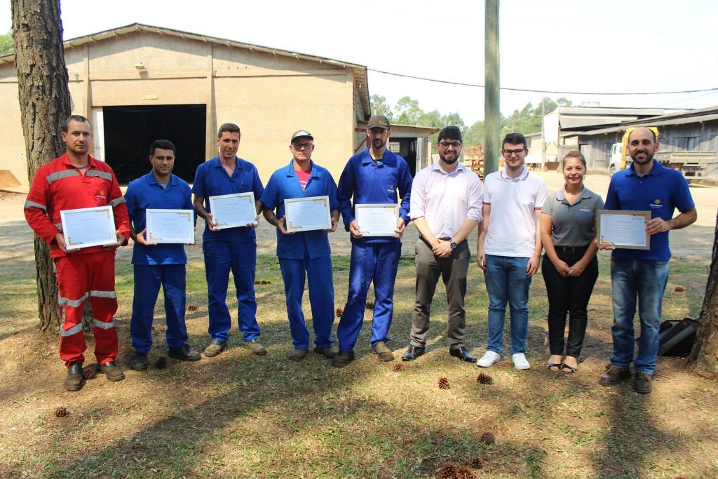 Colaboradores da Unidade Metalúrgica, da Rio Deserto, são homenageados por conquista de prêmio estadual