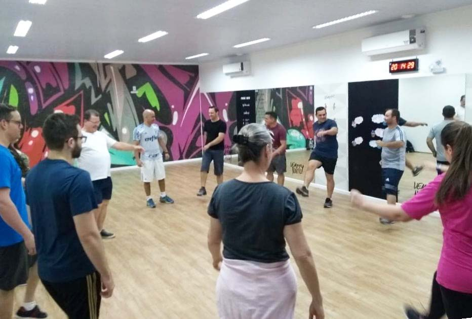 Projeto Entrando em Forma: alimentação saudável, atividade física e equilíbrio emocional ganham destaque nos encontros