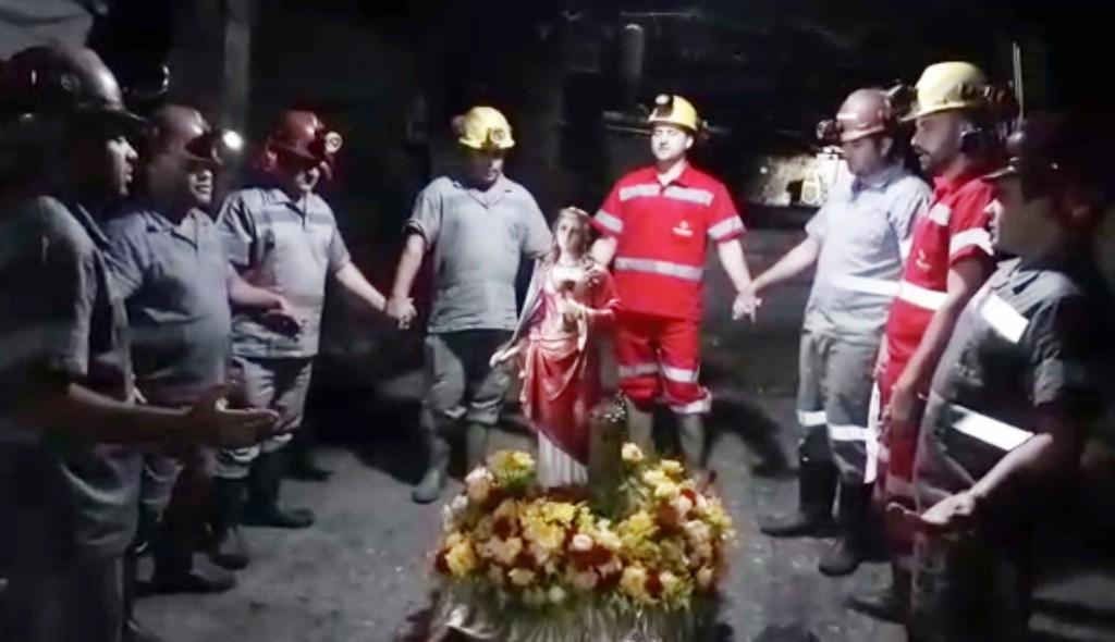 Dia de Santa Bárbara: mineiros da Rio Deserto prestam homenagens à padroeira