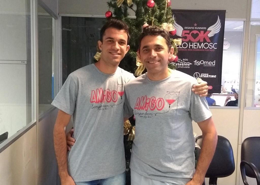 Solidariedade: pai e filho, colaborador e jovem aprendiz da Rio Deserto, doam sangue juntos