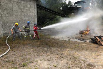 Simulado de combate a incêndio envolve brigadistas do Complexo Industrial, da Rio Deserto