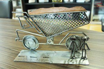 Troféu do 22º Prêmio de Excelência é entregue para a Rio Deserto